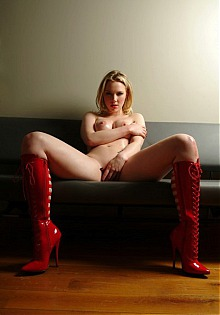 dutch doll ancilla tilia latex kinky rubber fetish fashion model