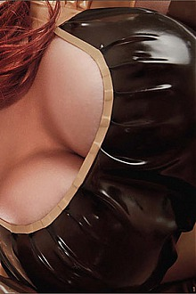 bianca beauchamp latex lair kinky rubber fetish fashion model