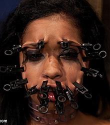 device bondage immobilized captive beauty